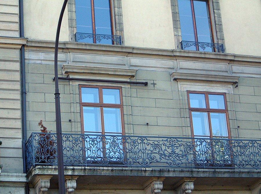 rue-du-rhone-002